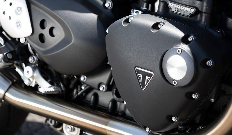 Thruxton 1200 RS dolu